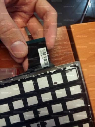 Устанавливаем новую клавиатуру в топкейс ноутбука