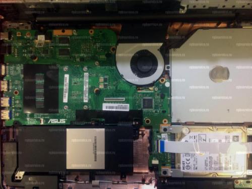 ноутбук после чистки с новой аккумуляторной батареей