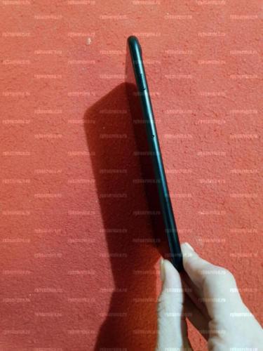выпрямленный корпус iPhone 7 Plus после ремонта